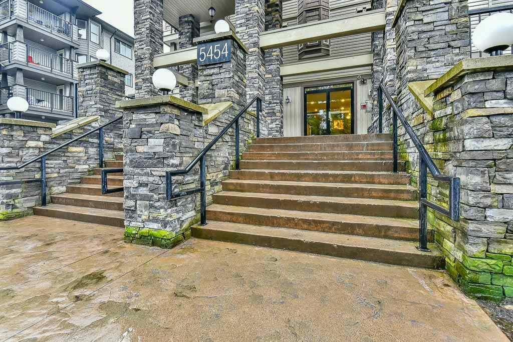 R2145961 - 211 5454 198 STREET, Langley City, Langley, BC - Apartment Unit