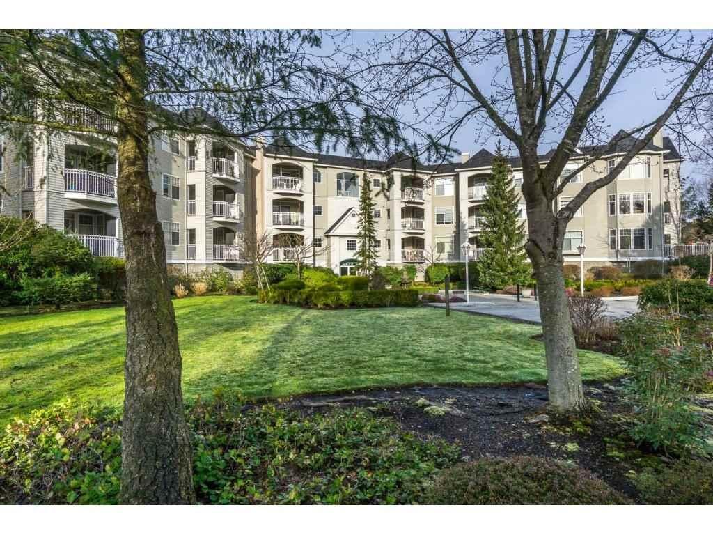 R2148597 - 104 5677 208 STREET, Langley City, Langley, BC - Apartment Unit