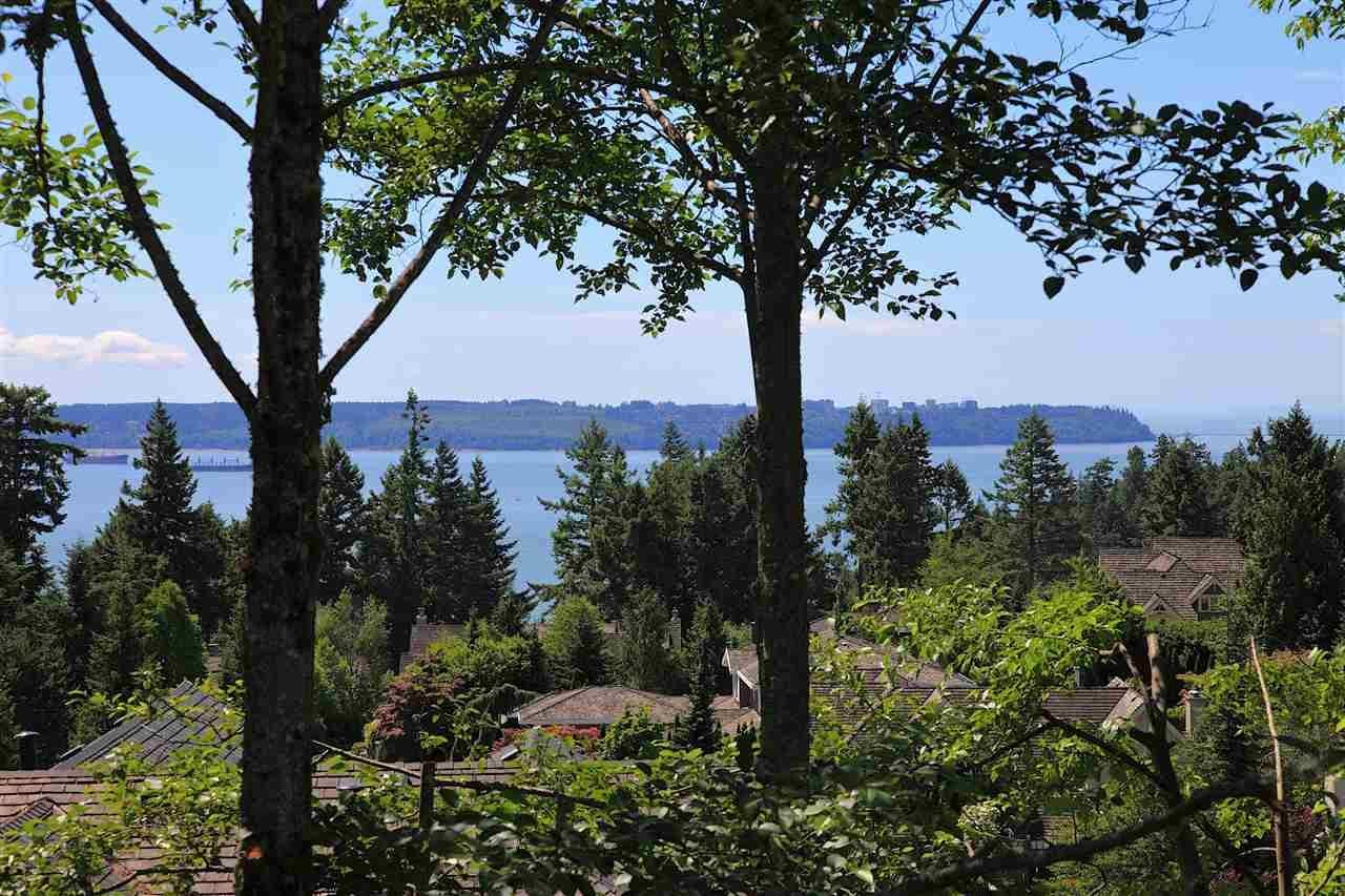 R2155565 - 4776 MEADFEILD COURT, Caulfeild, West Vancouver, BC - House/Single Family