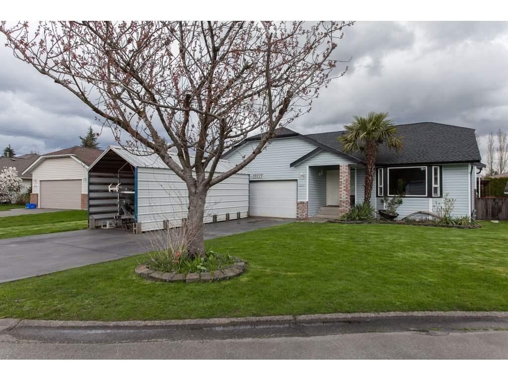 R2156962 - 19227 59 AVENUE, Cloverdale BC, Surrey, BC - House/Single Family