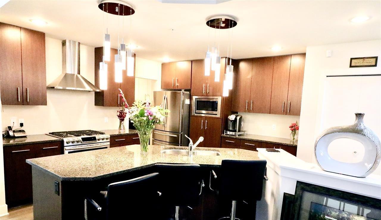 R2157161 - 102 16483 64 AVENUE, Cloverdale BC, Surrey, BC - Apartment Unit