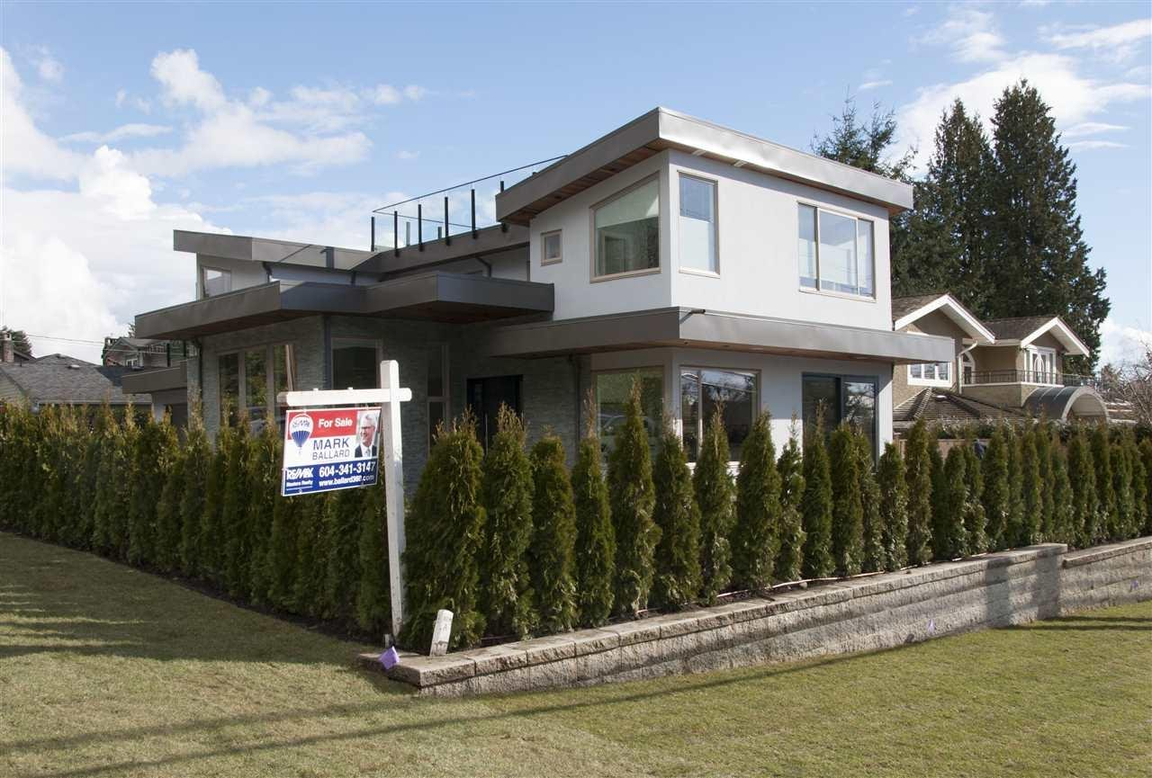 R2157402 - 2496 MATHERS AVENUE, Dundarave, West Vancouver, BC - House/Single Family