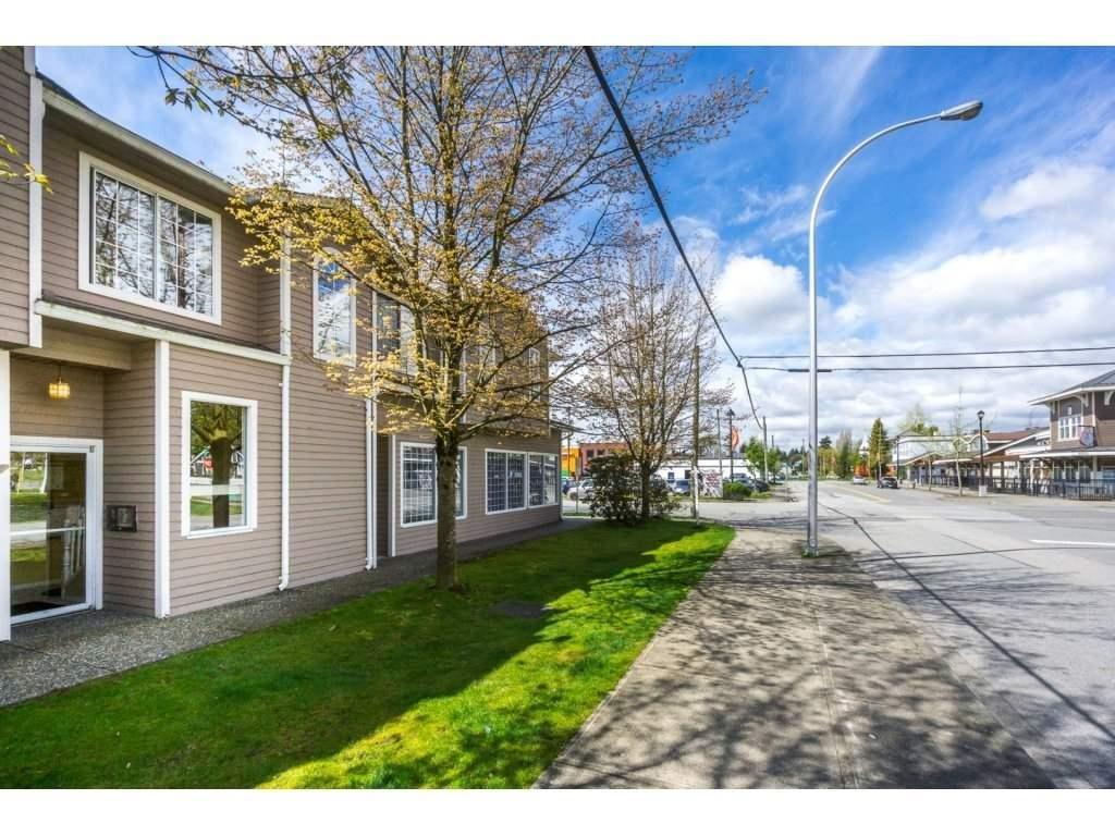 R2158464 - 208 5830 176A STREET, Cloverdale BC, Surrey, BC - Apartment Unit