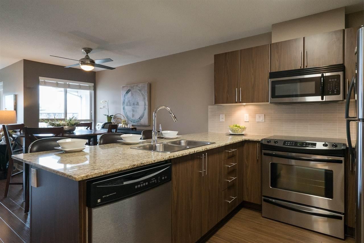 R2160183 - D407 8929 202 STREET, Walnut Grove, Langley, BC - Apartment Unit