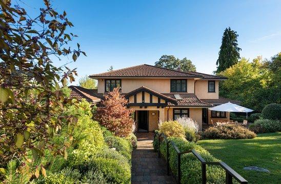 1515 Montgomery Ave, Victoria | SOLD | $2,198,000